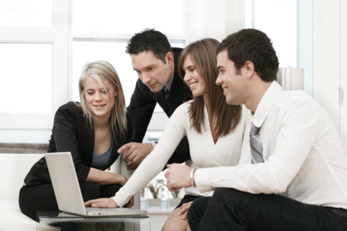 005_Group-of-business-people-with-laptop-1